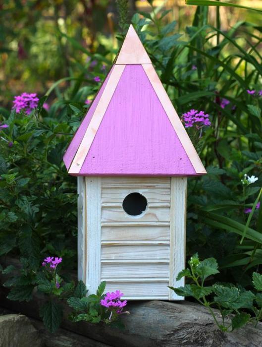 Heartwood Gatehouse Birdhouse, Pink