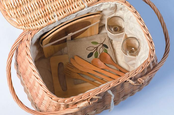 Picnic Plus Eco Friendly 2 Person Picnic Basket with Bamboo Plates and Utensils