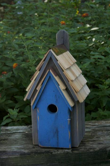 Heartwood Bluebird Manor House, Grey/Blue Door