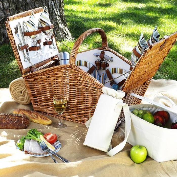 Picnic at Ascot Huntsman English-Style Willow Picnic Basket with Service for 4,Coffee Set and Blanket - London Plaid