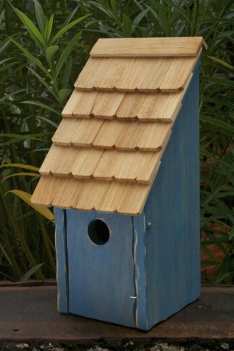 Heartwood Bluebird Bunkhouse Bird House - Blue