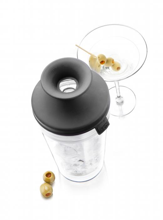 Vacu Vin Cocktail Shaker (Dark Gray Lid)