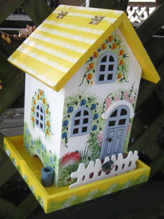 Flower Cottage Bird Feeder - Yellow