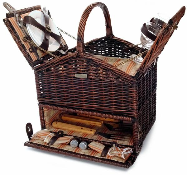 Picnic & Beyond Classique Elite Picnic Basket with BBQ tools and Service for Two