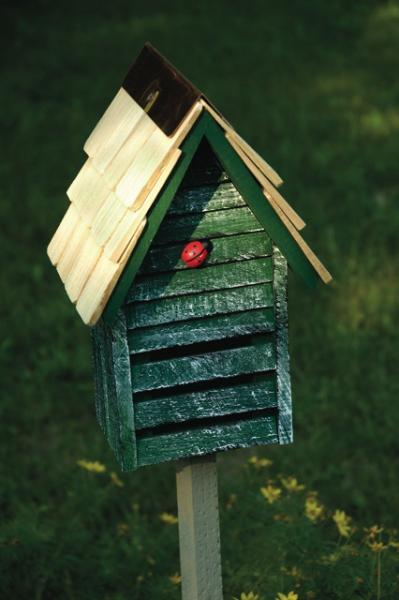 Heartwood Lady Bug Loft, Green