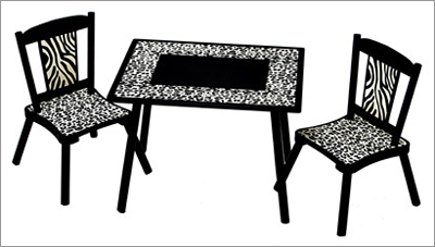 Levels Of Discovery Wild Side Table With Set Of 2 Chairs